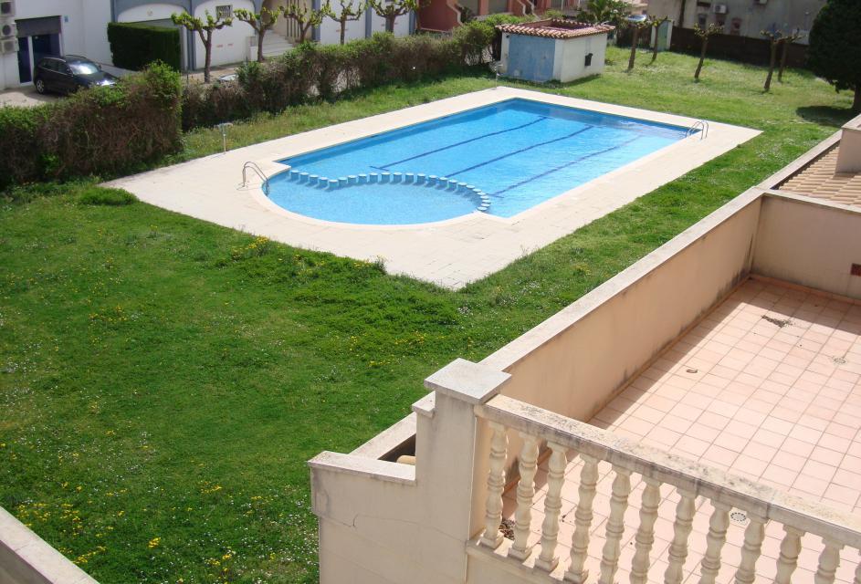 Appartement avec terrasse et piscine for Appartement avec piscine